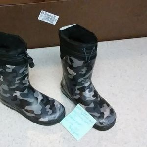 Other - Boys/youth size 13/1. Snow/winter boots